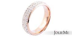 Strahlender Edelstahlring in roségold Steinchenbesatz mit starker Funkelkraft Hochwertige Verarbeitung und angenehmer Tragekomfort Maße: 6mm breit  Art.-Nr.: 0016500XX021774