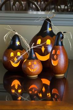 Adorable gourds from Meadowbrooke Gourds.