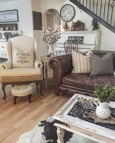 Living Room Design Ideas With Brown Leather Sofa Home Goods How To Decorate Furniture Real Apartment Www Countryliving Com G4394 Interior Trend Zoomable