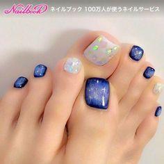 Pretty Toe Nails, Cute Toe Nails, Fancy Nails, Gorgeous Nails, Trendy Nails, Pedicure Nail Art, Pedicure Colors, Toe Nail Art, Toenail Art Designs
