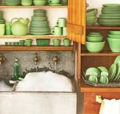 Martha's Jadeite collection. I'm thinking I want to start collecting it, seeing as how it's my favorite color and everything...