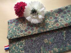À suivre bientot... https://www.ungrandmarche.fr/boutique/les-gouts-et-les-couleurs-de-laurence #handmade #flowers