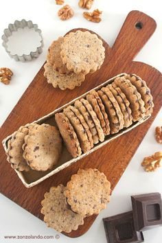 Biscotti alle noci con caramello al cioccolato