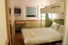 ibis budget in Hounslow is located close to Heathrow Airport and a great Hotel Option in London. ibis budget is a hotel chain known for very affordable room rates, I already stayed at ibis budget i… https://joydellavita.com/ibis-budget-hounslow-heathrow-airport-hotel-london/