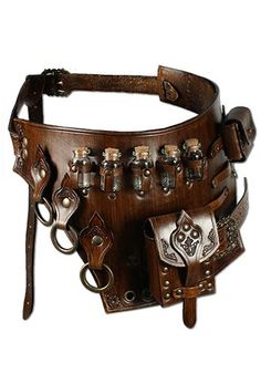 Armor Belt Alchemist These beautiful armor belt stands out by it´s high quality manufacturing and numerous detials. Aside of five little bottles there is a bigger leather purse and a smaller one… Armour Belt Alchemist, brown - Moda Steampunk, Style Steampunk, Steampunk Clothing, Steampunk Fashion, Steampunk Belt, Gothic Steampunk, Steampunk Necklace, Victorian Gothic, Gothic Lolita