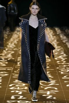 Edun Fall 2016 Ready-to-Wear Fashion Show http://www.theclosetfeminist.ca/   http://www.vogue.com/fashion-shows/fall-2016-ready-to-wear/edun/slideshow/collection#7