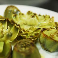 Alcachofas de Tudela. Sushi, Spanish Food, Original Recipe, Sprouts, The Best, Garlic, Spain, Vegetables, Portugal