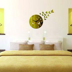 Moderné nalepovacie hodiny zlaté motýle .