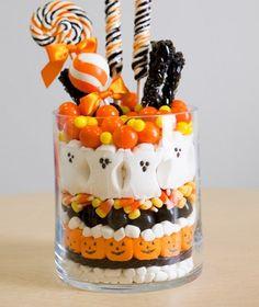 Cute & Tasty #Halloween Centerpiece! via@Holidays Central