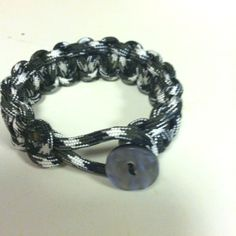 Para cord bracelet with button.
