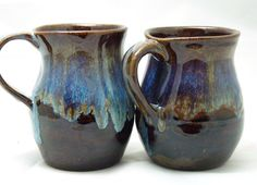 I love this glaze combination. Love. It. And I'm pretty happy with this mug form. I still need to work on handles. Amaco Textured Dark Amber, Laguna Robin's Egg and Laguna Castille Blue.