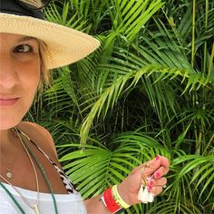 In my palm #nomadetulum #tulummexico #mexico #tulumvibes #summer2017 #capsulewardrobe #capsules #personalstylist #workfromwhereever #stylecoach