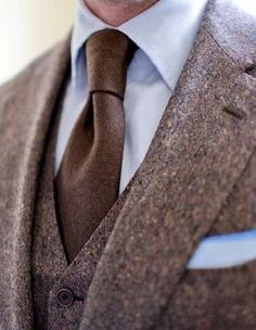Tweed (I think?) - love the look, especially with the vest; I feel like tweed suits have to be three-piece. Sharp Dressed Man, Well Dressed Men, Chaussures Roger Vivier, Look Formal, Brown Suits, Brown Tie, Blue Brown, La Mode Masculine, Mocassins