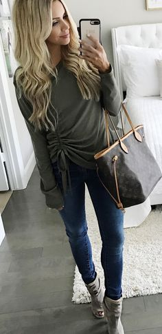 67bbbb1e867  fall  outfits women s gray long-sleeved blouse Perfect Fall Outfit