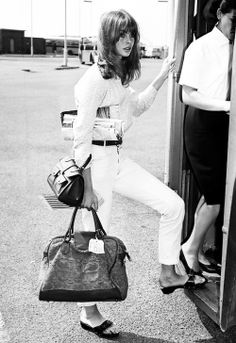 Travel whites. Xk #kellywearstler #myvibemylife #travelinstyle