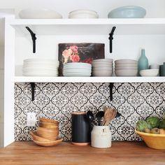 kche einrichtungsideen skandinavischer stil hellgraue mosaikfliesen kchen design pinterest interiors kitchens and exterior design - Schwarzweimosaikfliese Backsplash