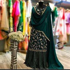 Pakistani Dresses Casual, Indian Fashion Dresses, Dress Indian Style, Pakistani Dress Design, Beautiful Pakistani Dresses, Indian Outfits, Punjabi Suits Designer Boutique, Indian Designer Suits, Punjabi Boutique