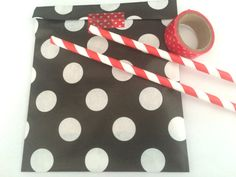 Black dots paper bags, Gift bags, packaging, 20X dot Paper Snack Sweet Treats bags, party, Cute packaging, baby, big dots