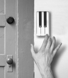 The Piano Door Bell lets your guests tickle the ivories with a new tune every time they come over. The piano doorbell is a concept that was designed by a Chinese designer named Jianye Li. Deco Design, Design Case, Touches De Piano, Piece Of Music, Cool Inventions, Japanese Inventions, Humble Abode, Cool Gadgets, My Dream Home