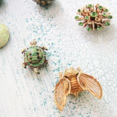 DIY Upcycled Vintage Jewelry Magnets