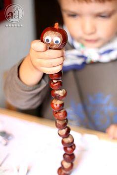 Spielen und Basteln mit Natur im Herbst: Kastanienwurm für Kinder