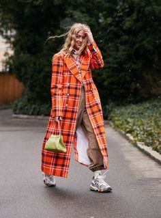 31 Glorious Outfits From the Fashion Week That Sets the Trends Street Style Outfits from Copenhagen Street Style Outfits, Look Street Style, Autumn Street Style, Fashion Outfits, Fashion Tips, Fashion Trends, Womens Fashion, Abaya Fashion, Fashion Weeks