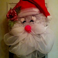Geo mesh Santa wreath - holiday craft projects 2011