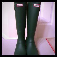 NEW Hunter Tall Boots New never worn in a box. Hunter Original Tall. Hard to find hunter green. Hunter Boots Shoes Winter & Rain Boots