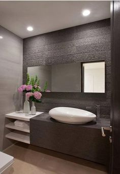 Bathroom ideas, bathroom remodel, master bathroom decor and bathroom organization! Bathrooms may be beautiful too! From claw-foot tubs to shiny fixtures, they are the master bathroom that inspire me the most. Bathroom Vanity Designs, Bathroom Layout, Small Bathroom, Bathroom Ideas, Master Bathrooms, Bathroom Wall, Bathroom Inspo, Bathroom Vanities, Bathroom Organization