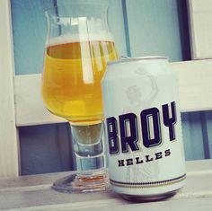 Wir trinken Broy Helles von @broy_beer #helles #münchen #munich #kiel #beerlove #beerporn #instabeer #beerstagram #nowdrinking #drinkmorebeer #cheers #prost #beer #bier #cerveja #cerveza #birra #lager #broy