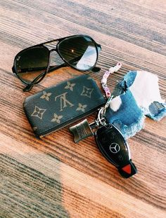 My New LV Bags Collection for Louis Vuitton. Girly Car, Car Essentials, Car Accessories For Girls, Accesorios Casual, Cute Cars, Louis Vuitton Handbags, Lv Handbags, Louis Vuitton Key Pouch, Future Car