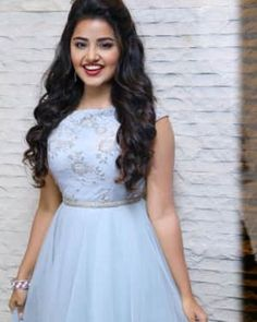 Tamil, Telugu and Malayalam Actress Anupama Parameswaran at Vunnadi Okate Zindagi Movie Pre Release Function Pictures Gallery Indian Fashion Dresses, Dress Indian Style, Indian Gowns, Indian Designer Outfits, Designer Dresses, Lehenga Gown, Lehenga Style, Anarkali Dress, Hairstyles For Gowns