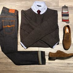 Designer menswear is gaining more and more popularity with time and soon men will catch up with women both on the runway and on the streets. Designers have found a new market in mens clothes and th… Mcgregor Suits, Men's Business Outfits, Smart Casual Men, Outfit Grid, Mens Fashion, Fashion Outfits, Casual Street Style, Gentleman Style, Mens Clothing Styles