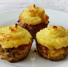 Fasírt-muffin krumplipüré kalappal Recept képpel - Mindmegette.hu - Receptek My Recipes, Beef Recipes, Cake Recipes, Quiche Muffins, Hungarian Recipes, Food Decoration, Sausage, Food And Drink, Yummy Food
