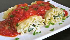 Receta de exquisitos rollos de lasagna de pollo y queso.