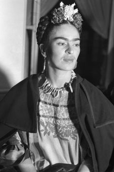 17 unconventional beauty icons who changed the definition of beauty: Frida Kahlo
