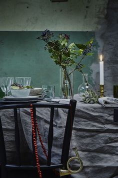 my scandinavian home: Simple yet pretty Christmas / party table ideas