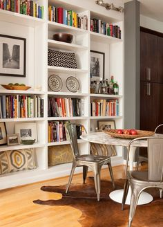 Beautiful Bookcases    http://simpledetailsblog.blogspot.com/2011/11/trick-for-styling-bookcase.html
