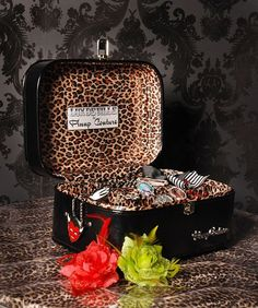 Pin up couture vintage train case. Perfect travel case for make up and toiletries.