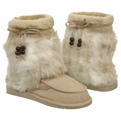 Dr. Scholl's Women's Chewy boots...you know they'll be warm and toasty, just look at them! #furboots #creamboots