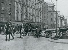 The North King Street Massacre, Dublin 1916 (Click through for article) Ireland 1916, Dublin Ireland, Old Pictures, Old Photos, Vintage Photos, Irish Independence, Brunswick Street, Easter Rising, Dublin City