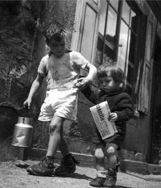 Brother and Sister - Robert Doisneau
