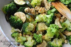 Dietetyczny kurczak z cukinią i brokułami