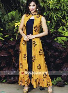 Printed Kurti Designs, Simple Kurti Designs, Kurti Neck Designs, Kurta Designs Women, Shrug For Dresses, Sleeves Designs For Dresses, Indian Gowns Dresses, Indian Fashion Dresses, Long Jacket Dresses