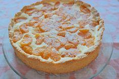 Auf meiner Liste, was ich immer mal schon backen wollte, stand ein Mandarinen-Schmand-Kuchen gaaanz oben:) Dieses Rezept ist dabei rausgekommen und der Kuchen schmeckt wirklich sehr gut! Der Kuchen…