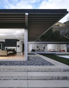 Riebe House, Carmel, Pierre Koenig, California. © Juergen Nogai / Julius Shulman