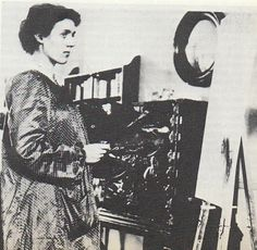 30 May 1879 – 7 April was an English painter and interior designer, a member of the Bloomsbury Group. Sister of Virginia Woolf. Virginia Woolf, Duncan Grant, Vanessa Bell, Artist Art, Artist At Work, Clive Bell, Bloomsbury Group, William Waterhouse, Charleston Homes