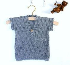 den-lille-fine-lune-vest-oder-bluse-strikkes-i-et-helt-nyt-garn-fra-onion-gar/ delivers online tools that help you to stay in control of your personal information and protect your online privacy. Knitting For Kids, Baby Knitting, Crochet Baby, Baby Vest, Baby Cardigan, Newborn Outfits, Baby Boy Outfits, Fur Vest Outfits, Baby Barn
