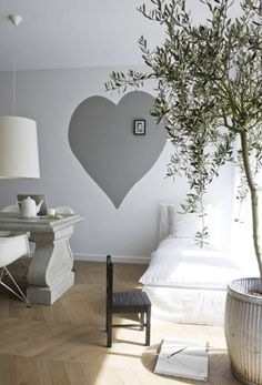 Her Hipster Room: grey heart on wall