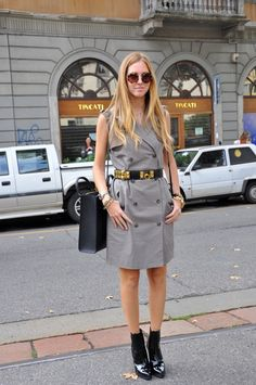 Chiara Ferragni at the Street Style by Stela - Street Style by Stela Leather Skirt, Street Style, Shirt Dress, Grey, Skirts, How To Wear, Outfits, Inspiration, Dresses